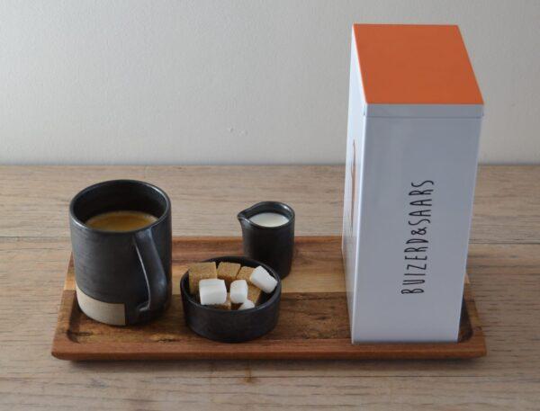 koffieliefhebber met bewaardoos